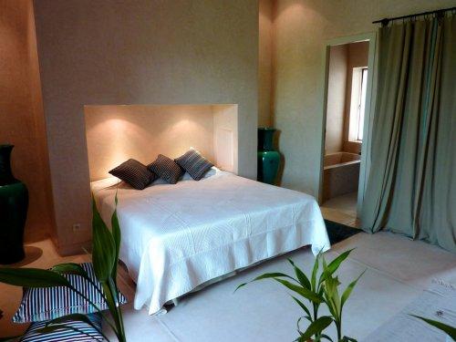 Dar terra suites spa ek bilgiler for Tableau au dessus du lit