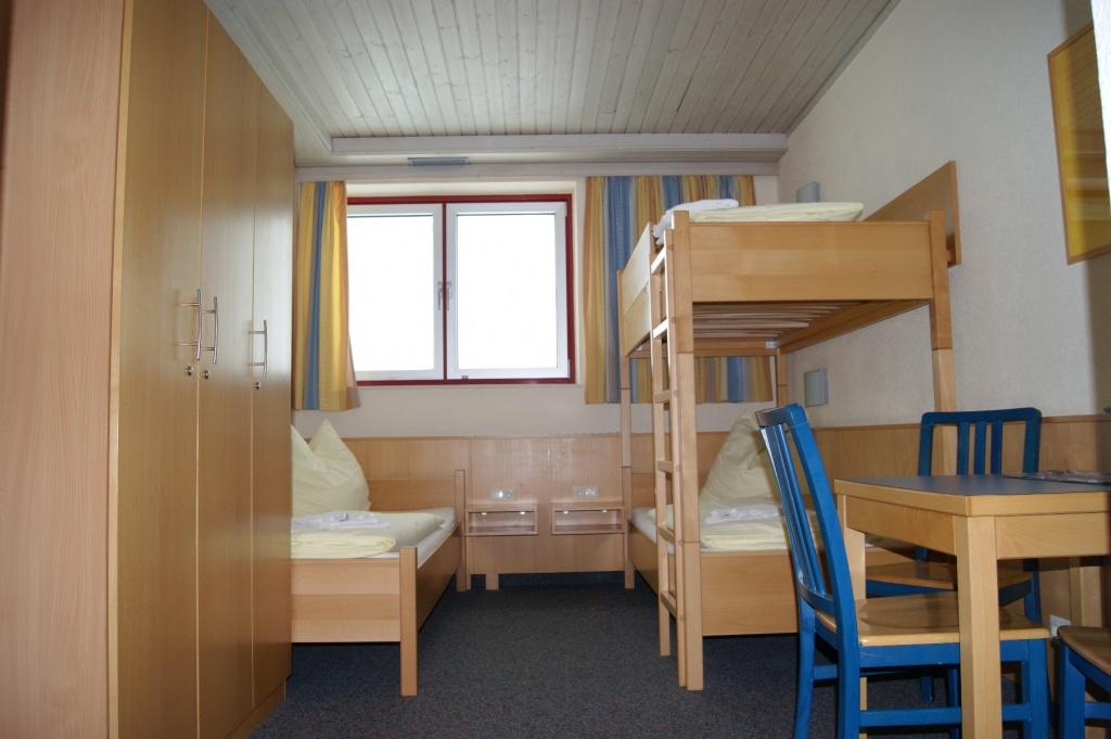 bundessport und freizeitzentrum kitzsteinhorn zus tzliche informationen. Black Bedroom Furniture Sets. Home Design Ideas