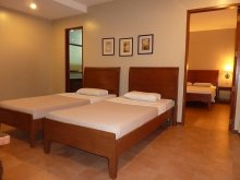 Family Suite Ante Room
