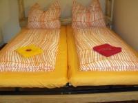 Bettwäsche und 1 kl. Handtuch