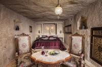 405- Grand Cave Suite