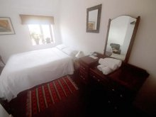 Double room ensuite with view onto Bastion Street