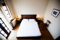1 çift kişilik yatak