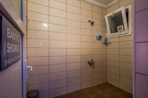 Erkekler için ortak kullanımlı banyo